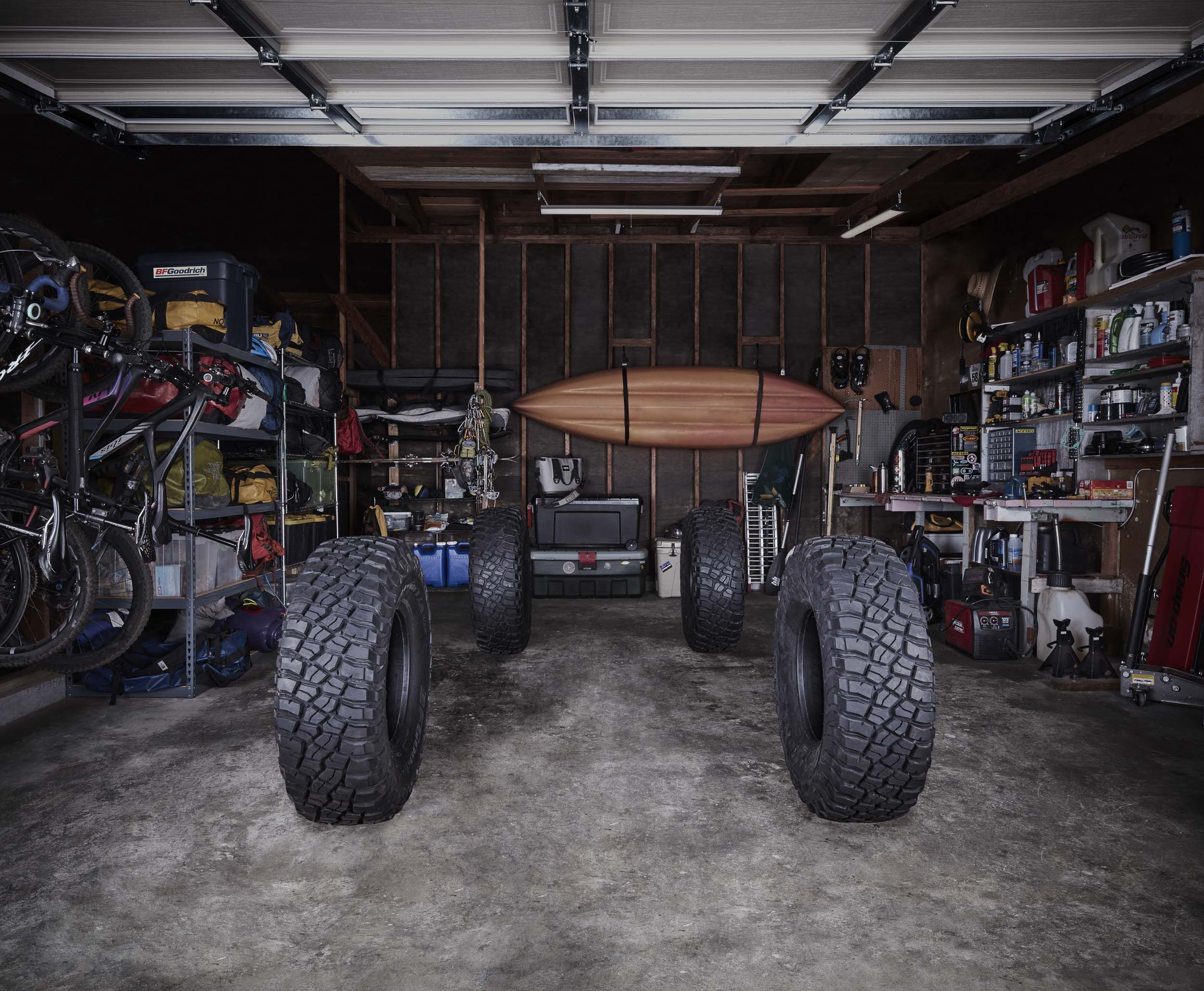 OutdoorsGarage_V1